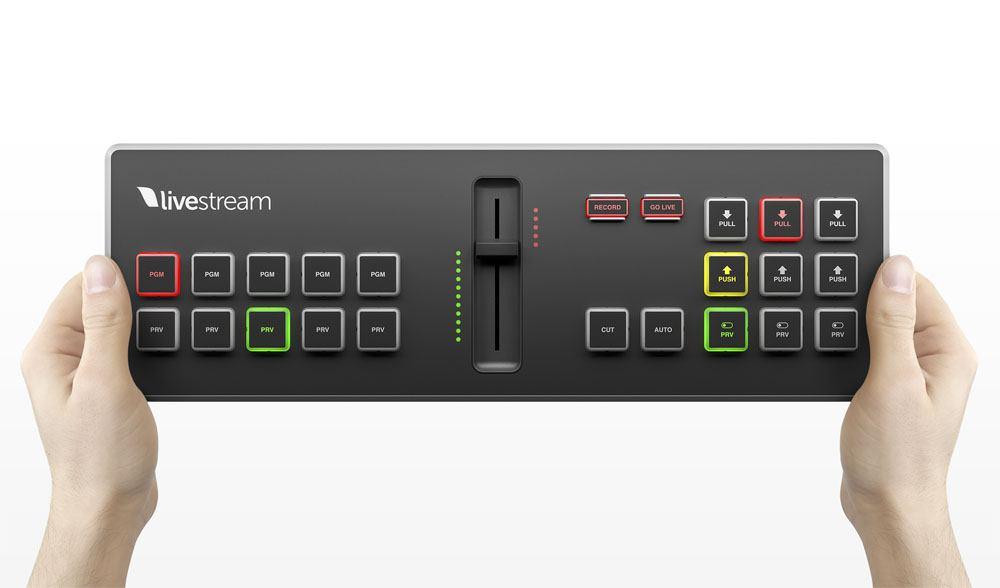 Livestream Studio Surface Go - top hands